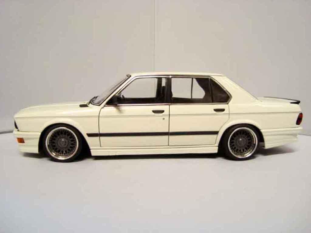Bmw 535 M 1/18 Autoart i 1985 jantes bbs