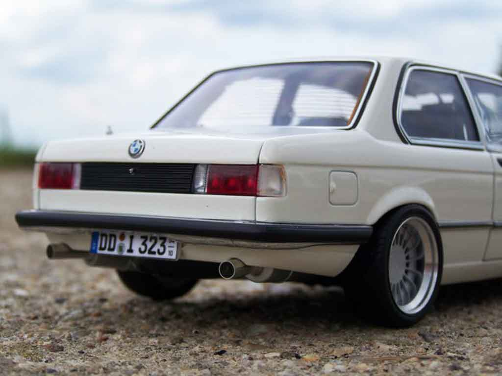 miniature bmw 323i e21 blanche jantes alpina 16 pouces 1977 html autos weblog. Black Bedroom Furniture Sets. Home Design Ideas
