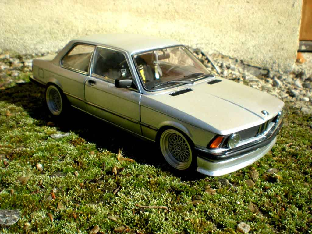 Bmw 323 1/18 Autoart e21 swap moteur bmw 653m german look 1977