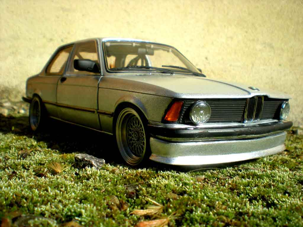 Bmw 323 1/18 Autoart e21 swap moteur bmw 653m german look 1977 tuning miniature