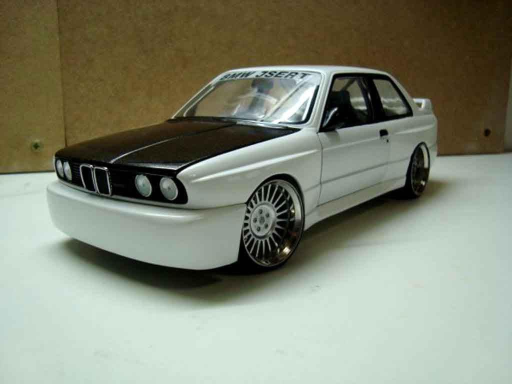 Bmw M3 E30 1/18 Minichamps white jantes hartge 19 pouces tuning diecast model cars