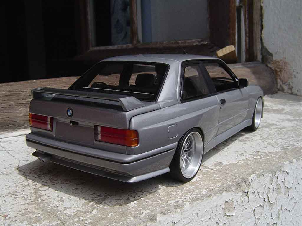 Bmw M3 E30 gray wheels de m3 e46 avec cerclage chrome tuning Kyosho. Bmw M3 E30 gray wheels de m3 e46 avec cerclage chrome miniature 1/18