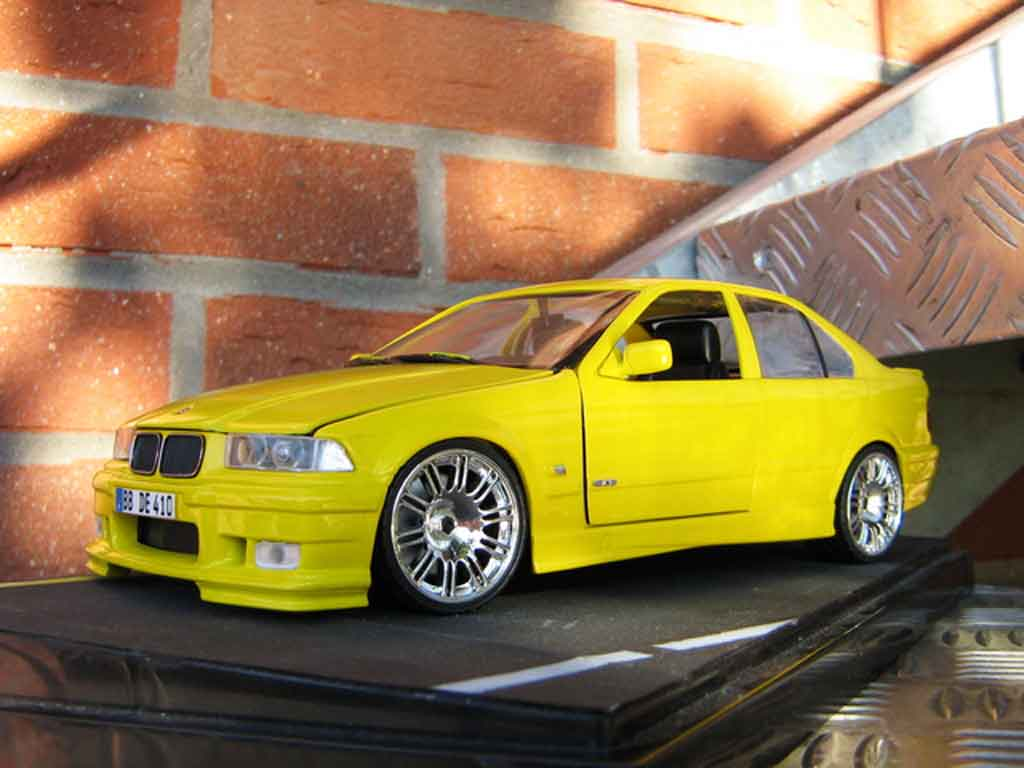 Bmw M3 E36 berline 1/18 Ut Models rtr yellow carlux jantes m3 gtr tuning diecast model cars
