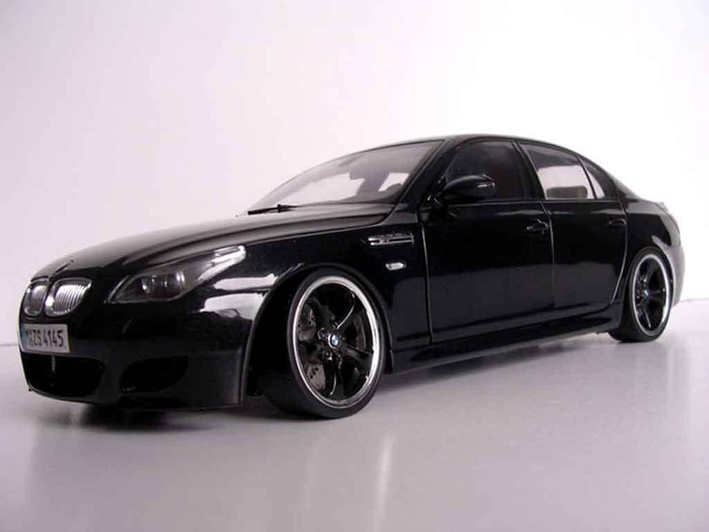 bmw m5 e60 felgen techart schwarzs kyosho modellauto 1 18. Black Bedroom Furniture Sets. Home Design Ideas