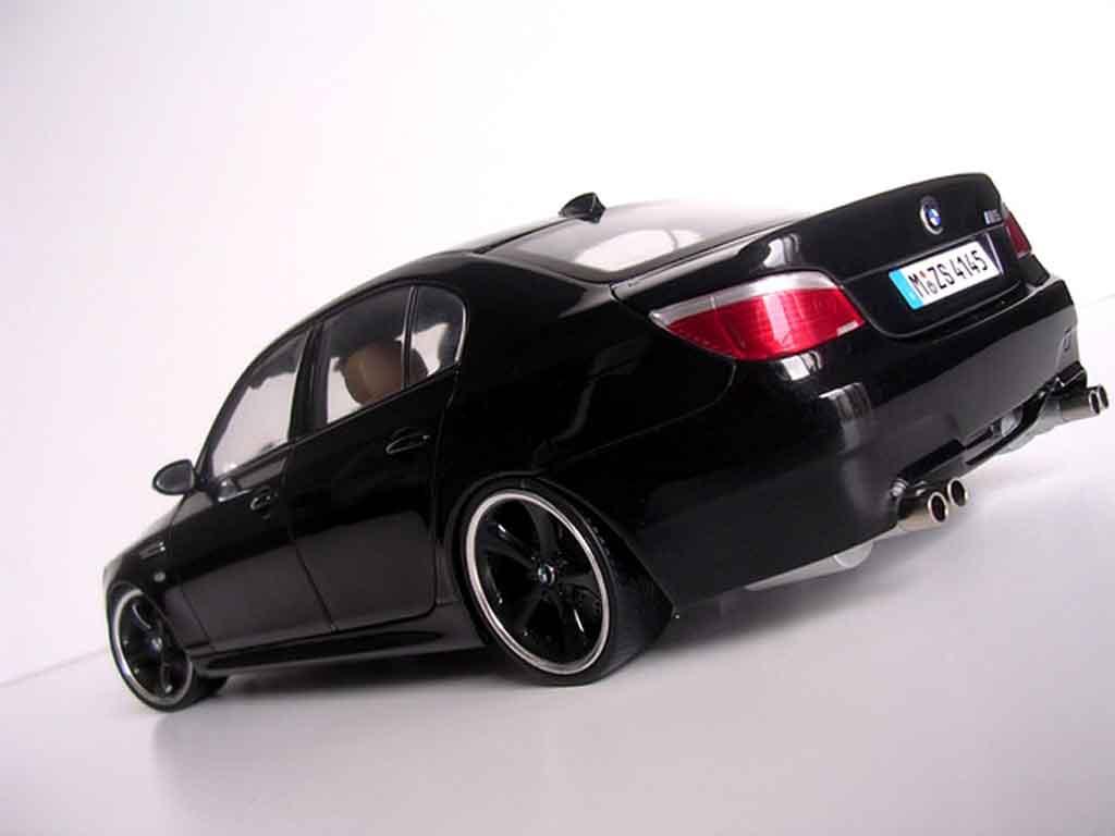 Bmw M5 E60 Ruote Techart Neros Kyosho Modellini Auto 1 18