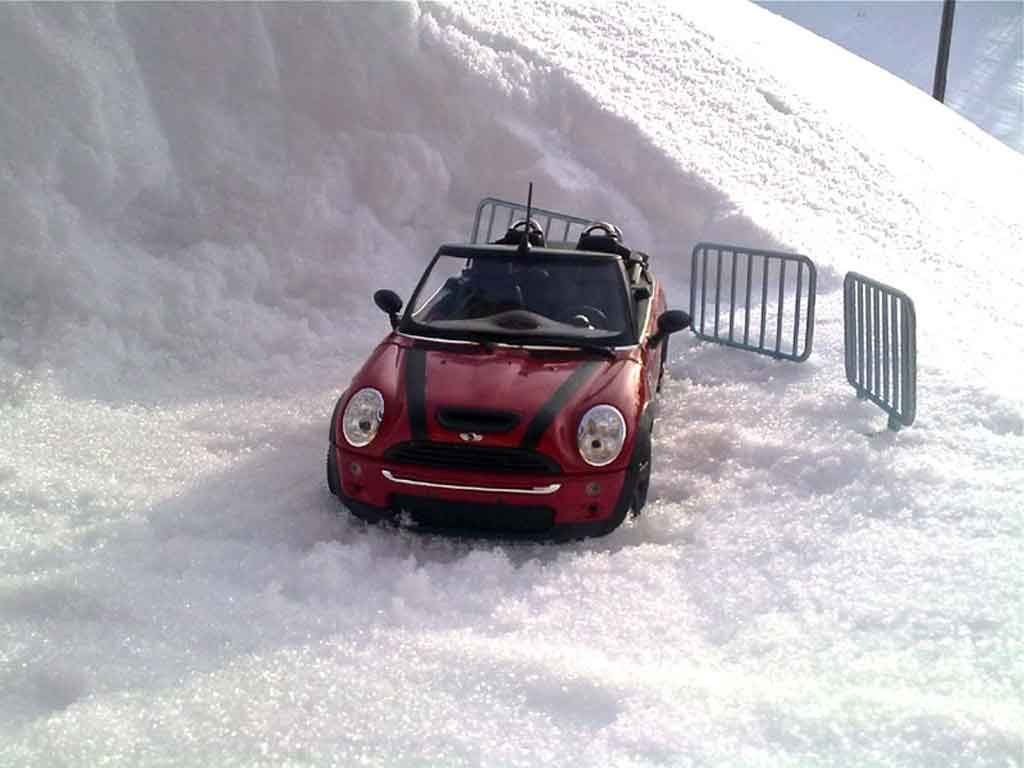 Mini Cabriolet S 1/18 Burago s red