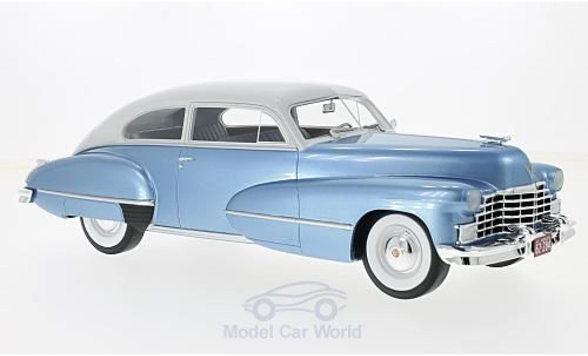 Cadillac Series 62 1/18 BoS Models Club Coupe metallise bleue/grise 1946