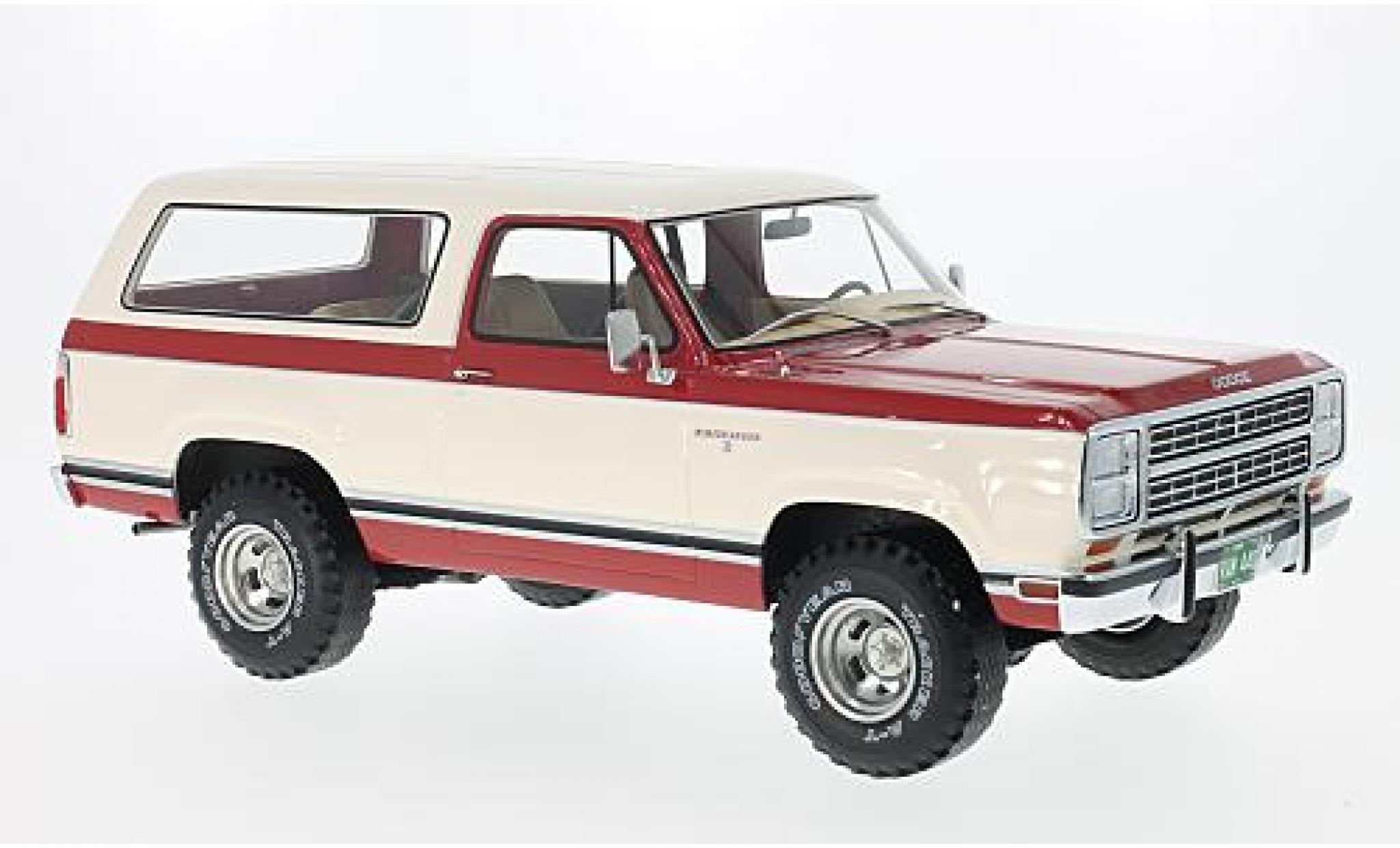 Dodge RAM 1/18 BoS Models Ramcharger red/white 1979