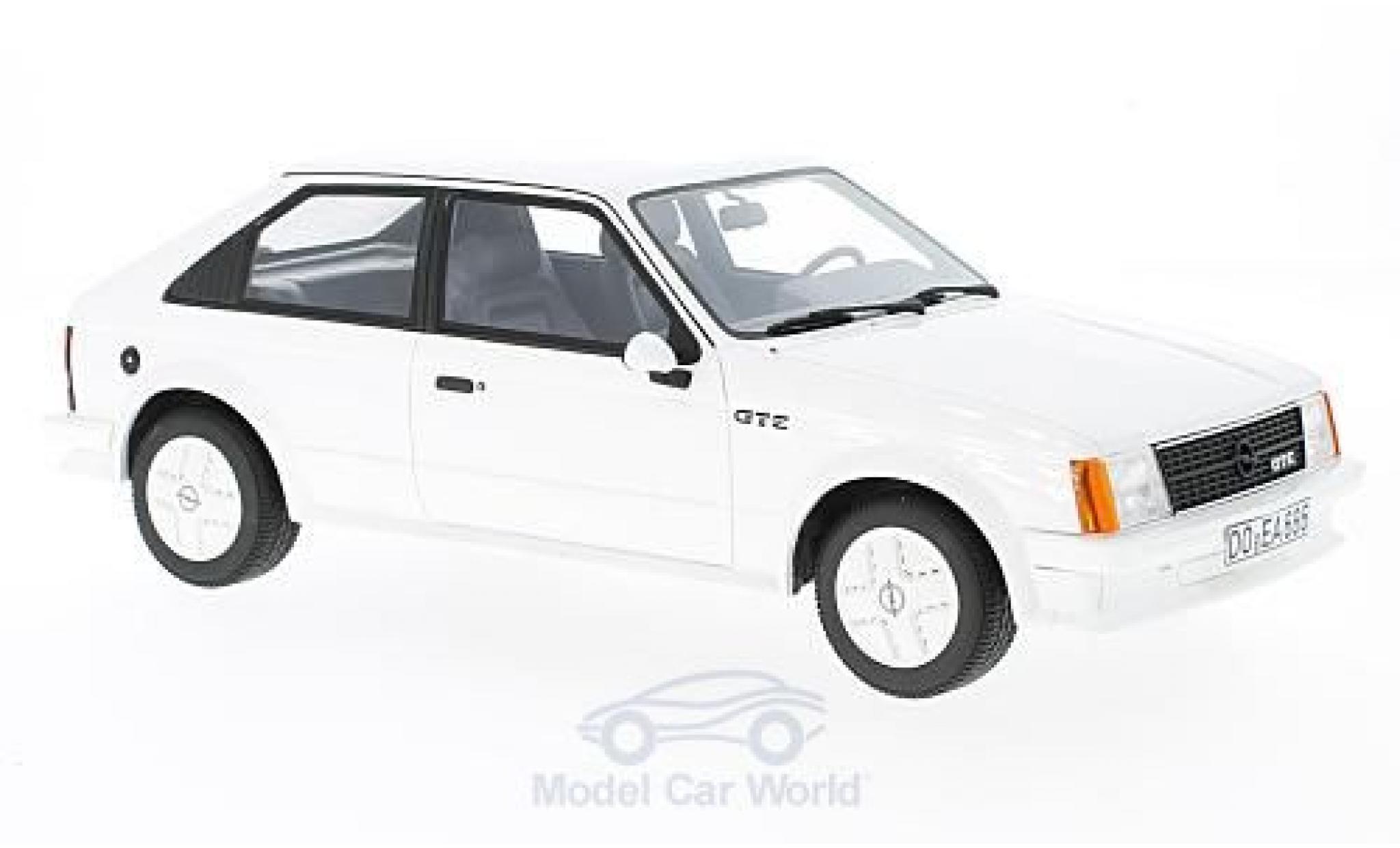 Opel Kadett GT 1/18 BoS Models D E blanche 1983