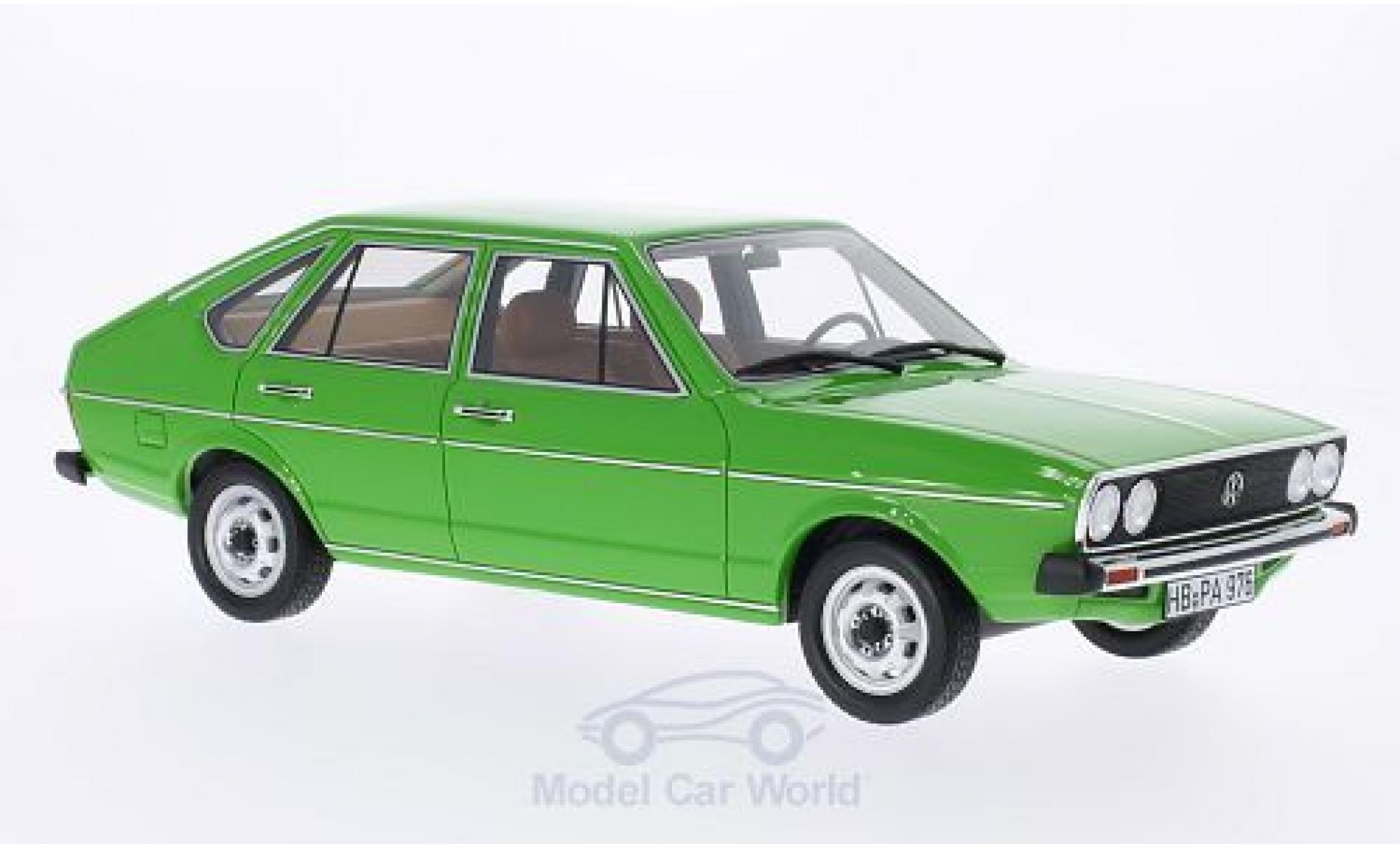 Volkswagen Passat 1/18 BoS Models TS (B1) verte 1976