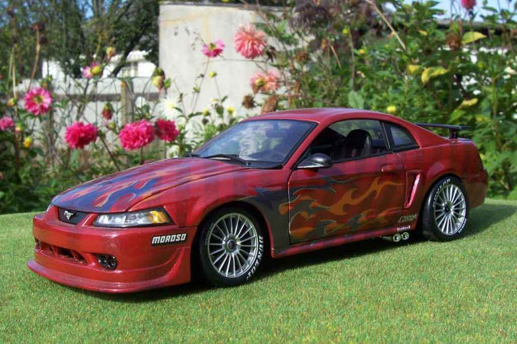 Ford Mustang 2000 1/18 Ut Models svt cobra fire snake tuning diecast model cars