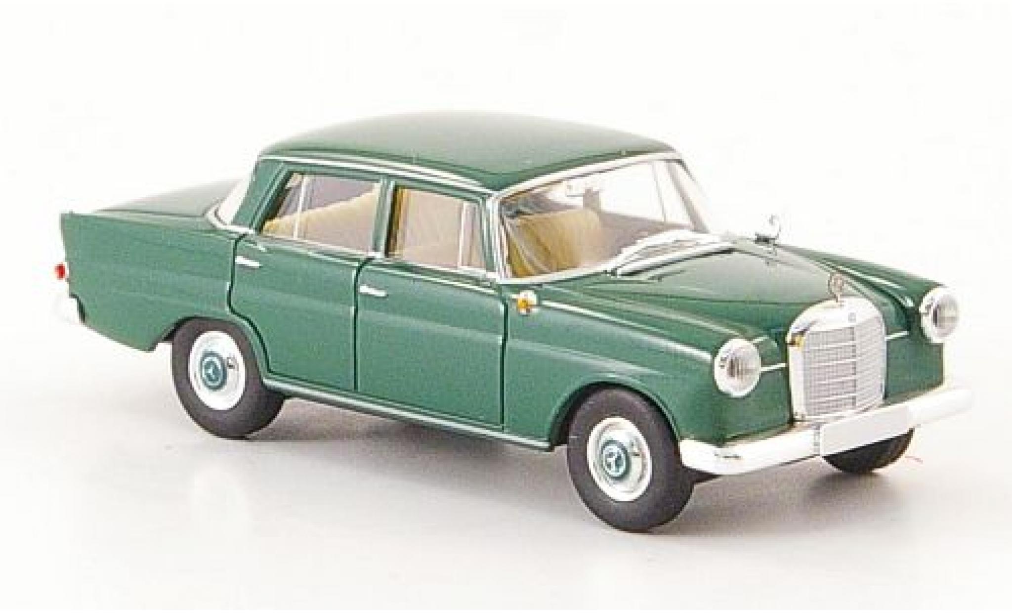 Mercedes 190 1/87 Brekina c (W 110) green ohne Vitrine