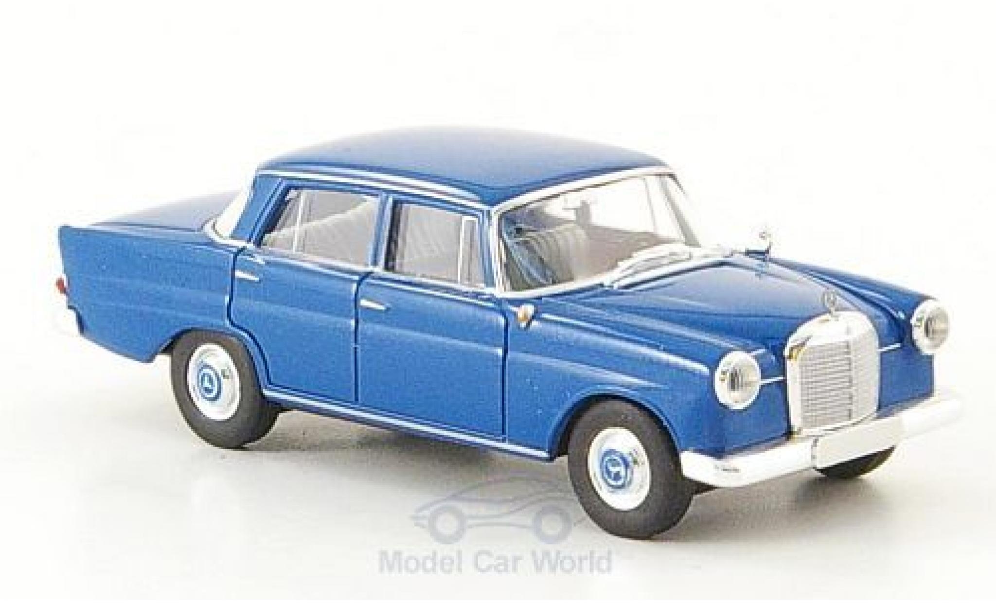 Mercedes 190 E 1/87 Brekina c (W110) bleue