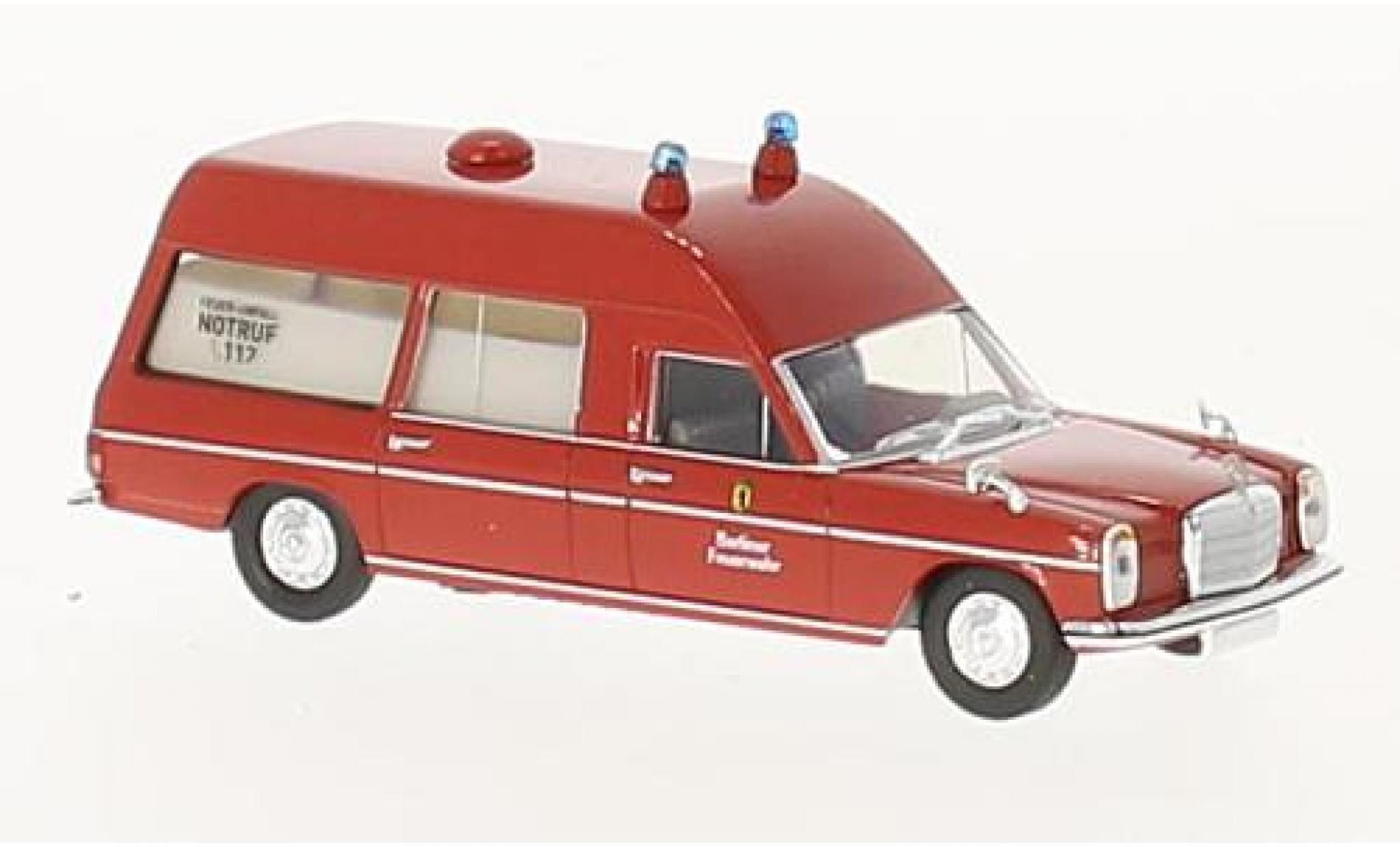 Mercedes /8 1/87 Brekina Berliner Feuerwehr ambulance