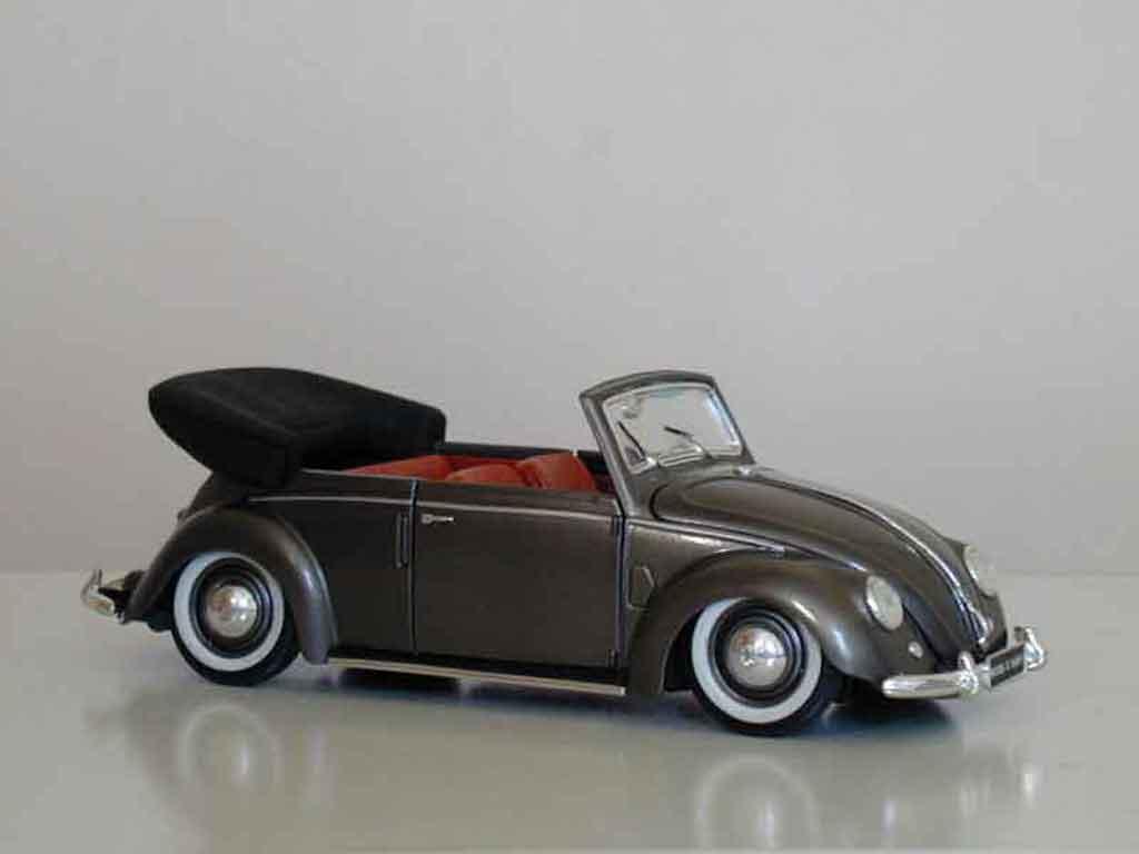 Volkswagen Kafer 1/18 Maisto Coccinelle Cabriolet 51 grise metallisee tuning miniature
