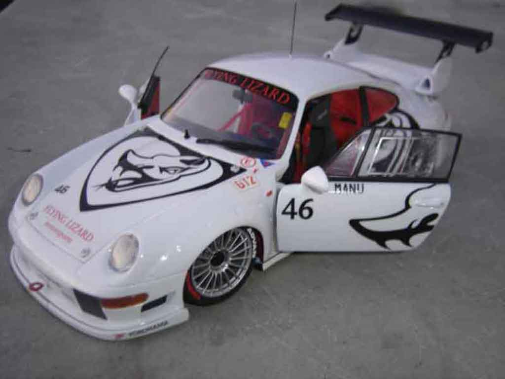 Porsche 993 GT2 1/18 Ut Models evo flying lizard