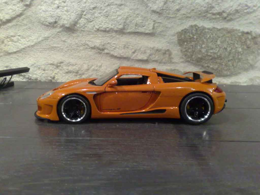 Gemballa Mirage GT 1/18 Maisto orange