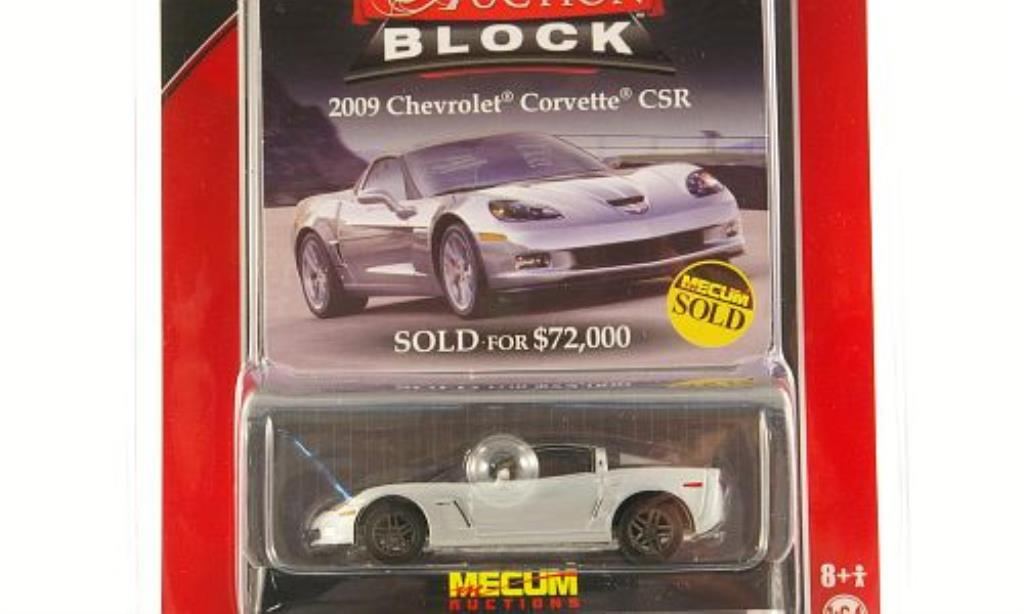 Chevrolet Corvette C6 1/64 Greenlight CSR grise mit noireen Streifen 2009 miniature