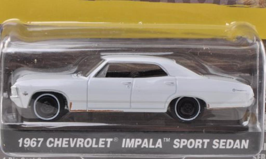 Chevrolet Impala 1/64 Greenlight Sport Sedan blanche 1967 miniature