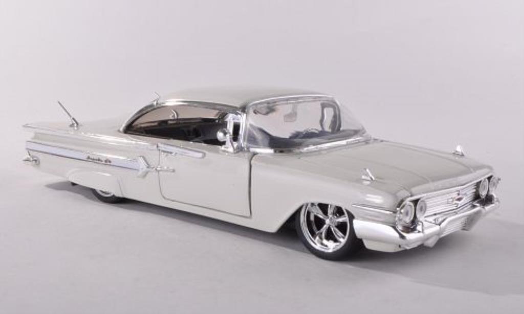 Chevrolet Impala 1/24 Jada Toys bianca 1960 miniatura