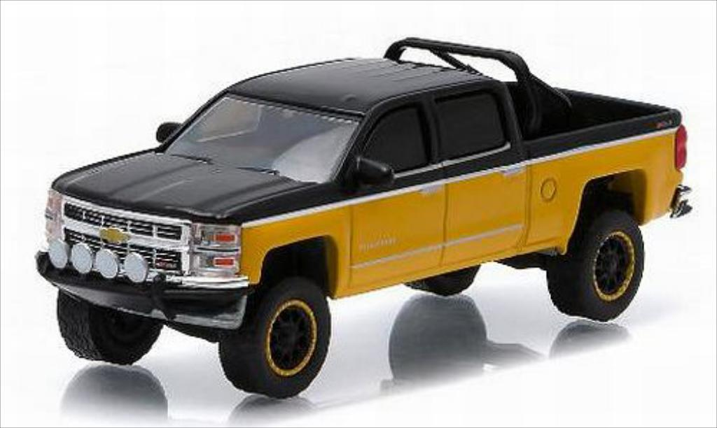 Chevrolet Silverado 1/64 Greenlight 1500 jaune/noire 2015 miniature