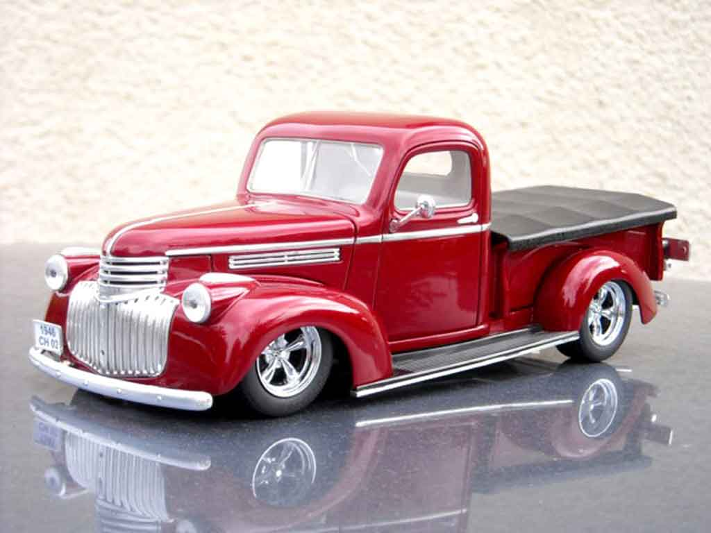 Chevrolet 1946 1/18 Solido pick up tuning miniature