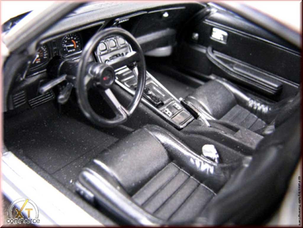 Chevrolet Corvette C3 1/18 Welly grau jantes alu 18 et 19 pouces 1982