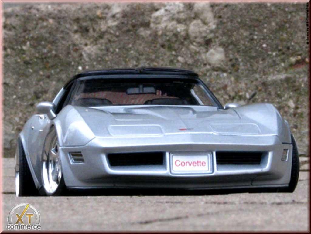 Chevrolet Corvette C3 1/18 Welly grigia jantes alu 18 et 19 pouces 1982 tuning miniatura