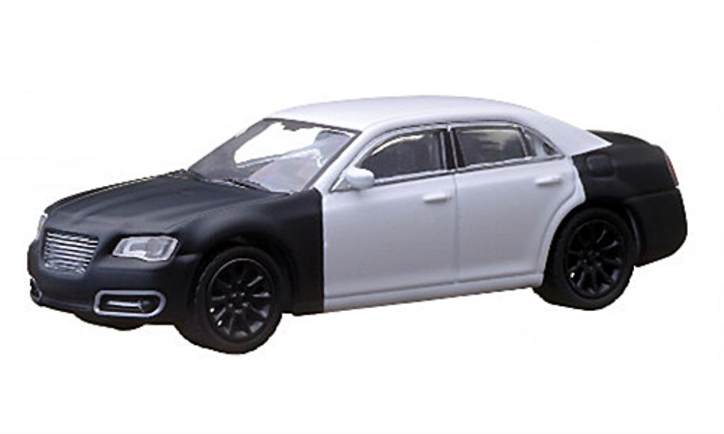 Chrysler 300C 1/64 Greenlight blanche/matt-noire 2013 miniature