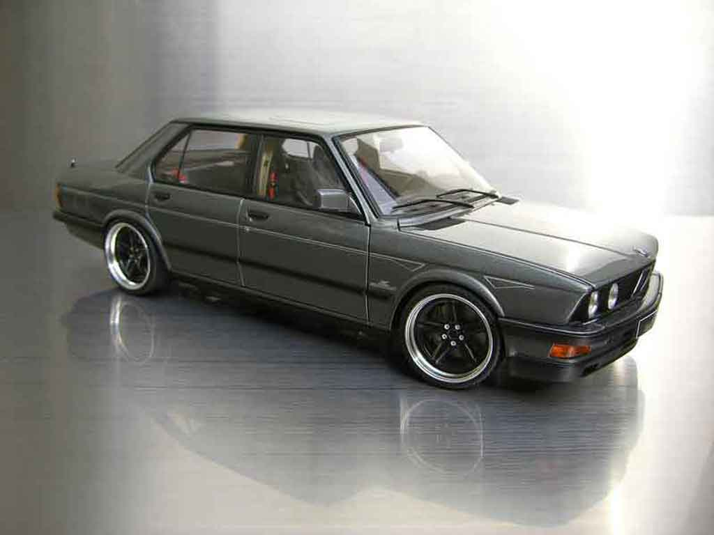 bmw m5 e28 miniature ac schnitzer autoart 1 18 voiture. Black Bedroom Furniture Sets. Home Design Ideas