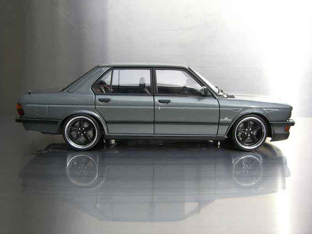 Bmw M5 E28 Ac Schnitzer Autoart Diecast Model Car 1 18 Buy Sell Diecast Car On Alldiecast Us