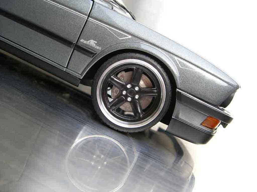 Bmw M5 E28 1/18 Autoart ac schnitzer