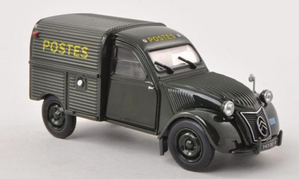 citroen 2cv miniature la poste universal hobbies 1 32 voiture. Black Bedroom Furniture Sets. Home Design Ideas