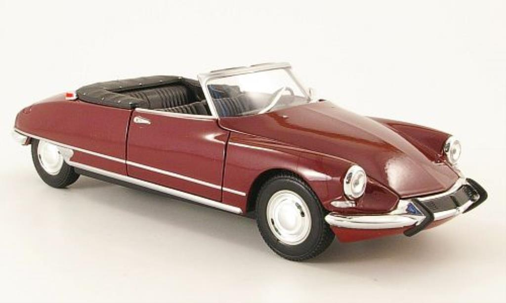 Citroen DS 19 1/24 Welly 19 Cabriolet rouge offen miniature
