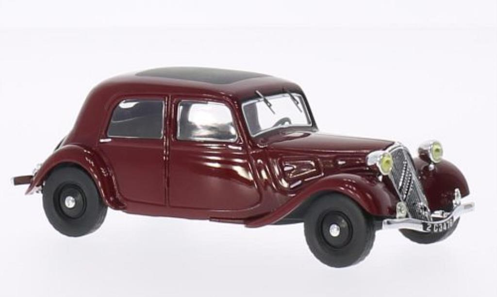 Citroen Traction 1/43 IXO 7A rouge 1934 miniature