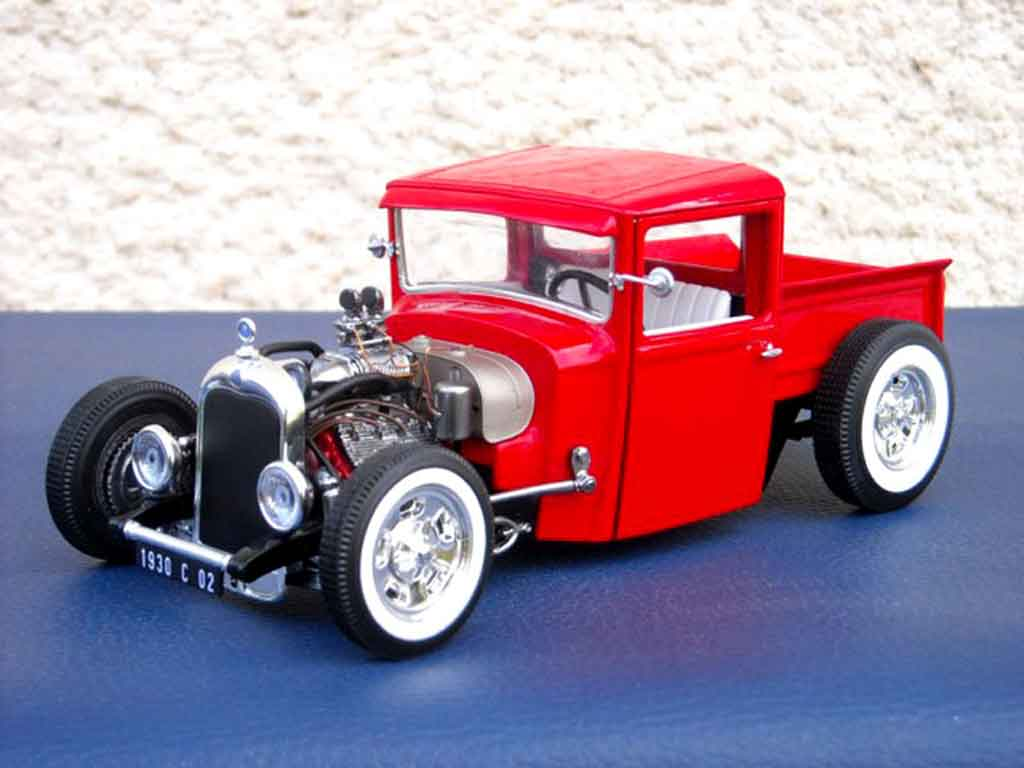 Citroen C4 1930 hot rod tuning Solido. Citroen C4 1930 hot rod Hot Rod modellini 1/18
