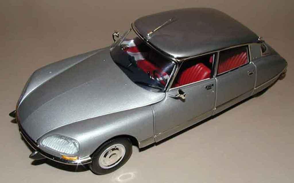 Citroen DS 21 1/18 Norev cabriolet 4 portes red lucifer
