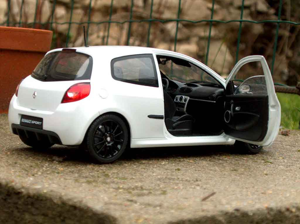 renault clio 3 rs miniature wsr solido 1 18 voiture. Black Bedroom Furniture Sets. Home Design Ideas