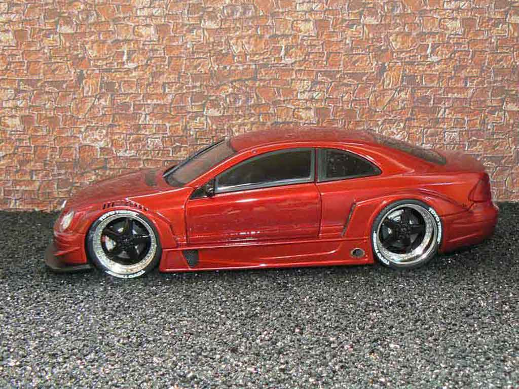 Mercedes Classe CLK AMG DTM coupe 1/18 Maisto street rosso candy