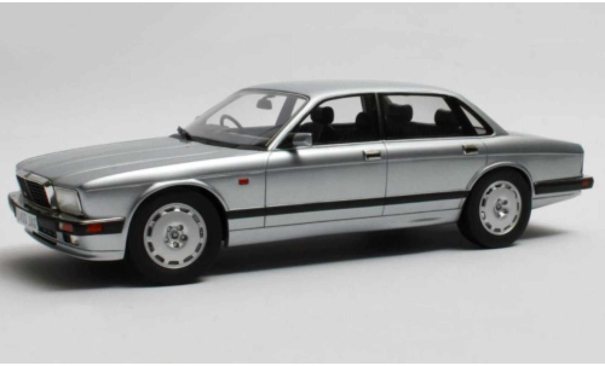 Jaguar XJ 1/18 Cult Scale Models R (40) grise RHD 1990
