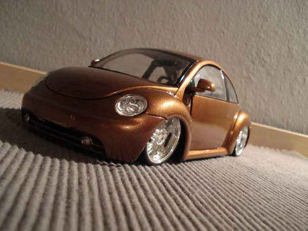 Volkswagen New Beetle 1/18 Maisto lv up