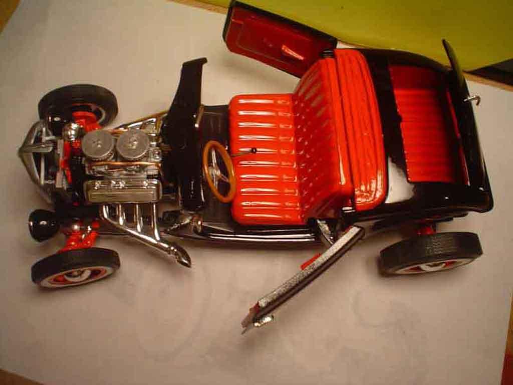 Ford 1934 1/18 Ertl roadster