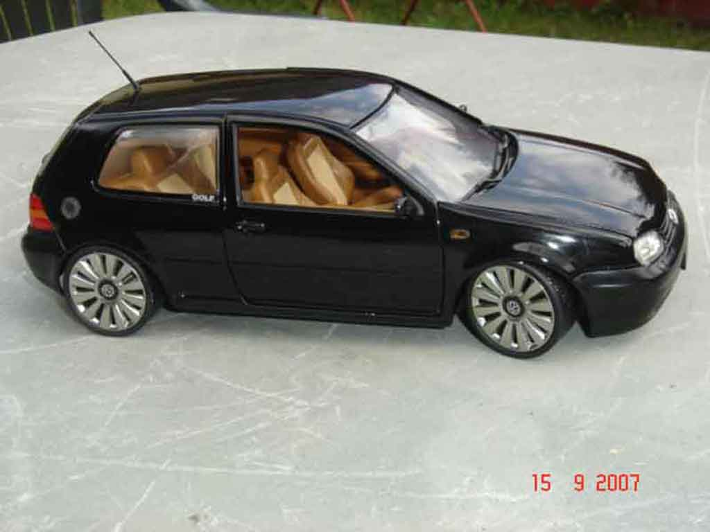 volkswagen golf 4 gti 3 2 turbo revell modellauto 1 18 kaufen verkauf modellauto online. Black Bedroom Furniture Sets. Home Design Ideas