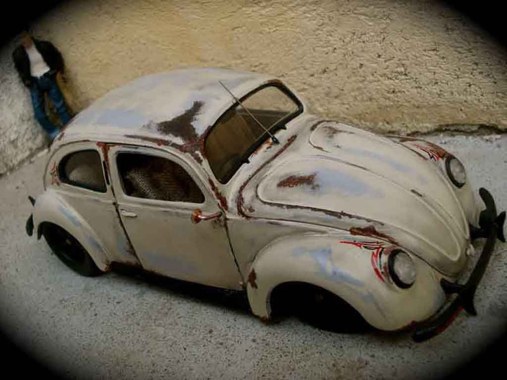 Volkswagen Kafer 1/18 Maisto split 1951 old school