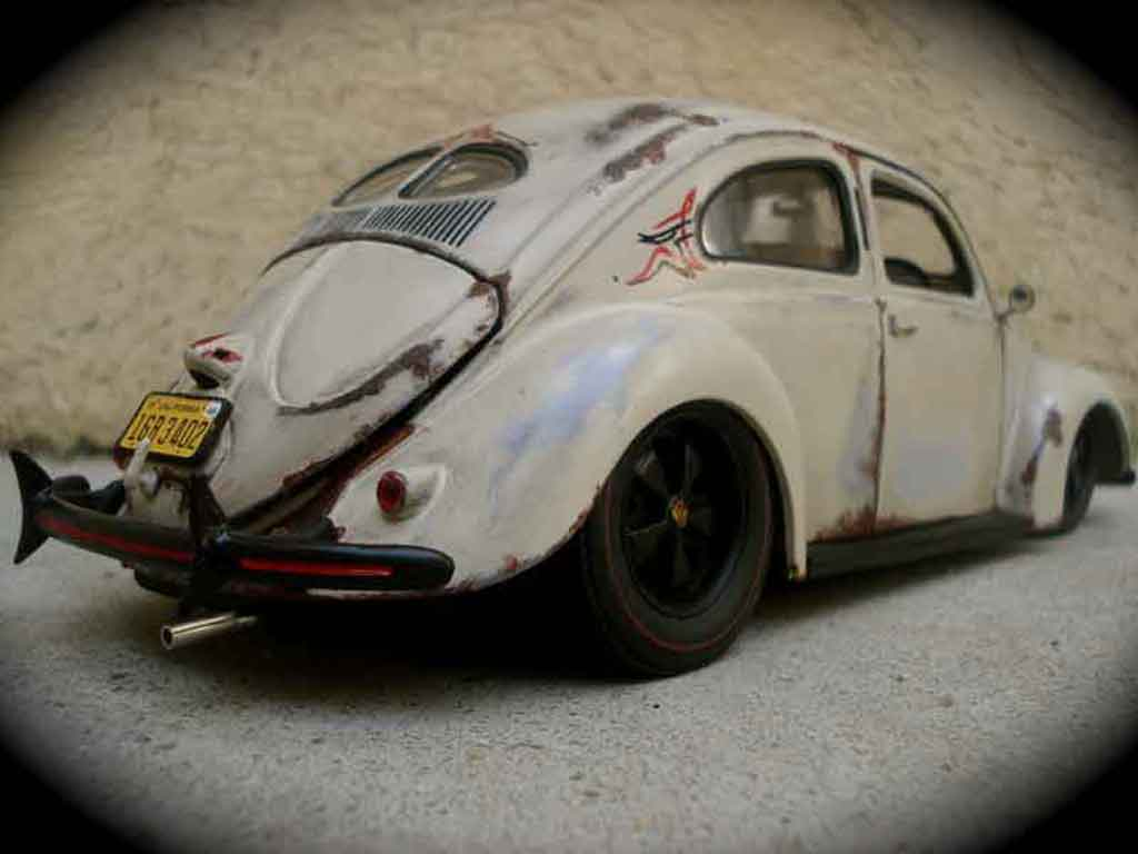 Volkswagen Kafer 1/18 Maisto split 1951 old school tuning miniature
