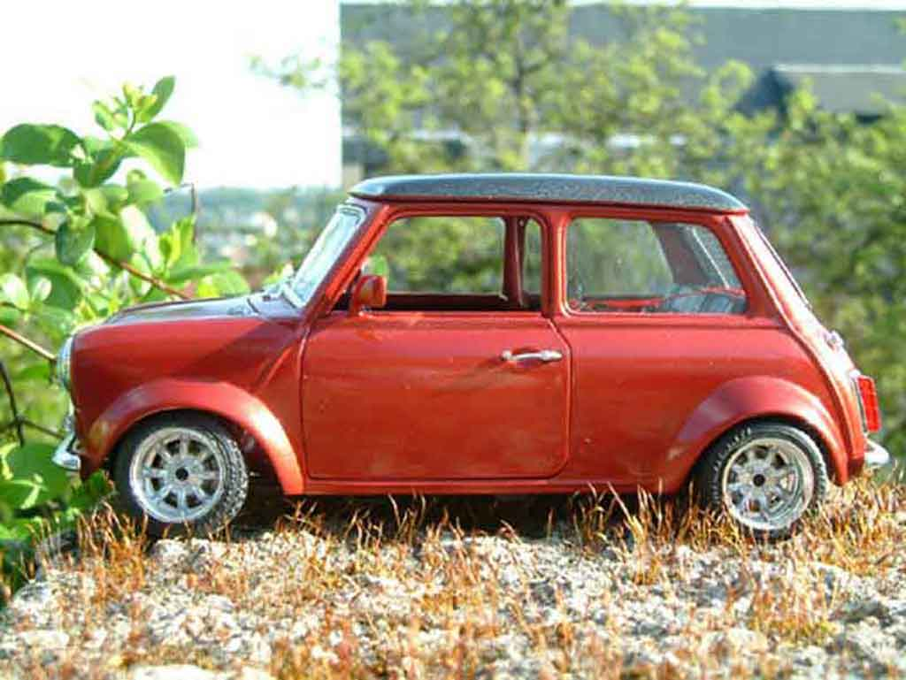 austin mini cooper miniature racing burago 1 18 voiture. Black Bedroom Furniture Sets. Home Design Ideas