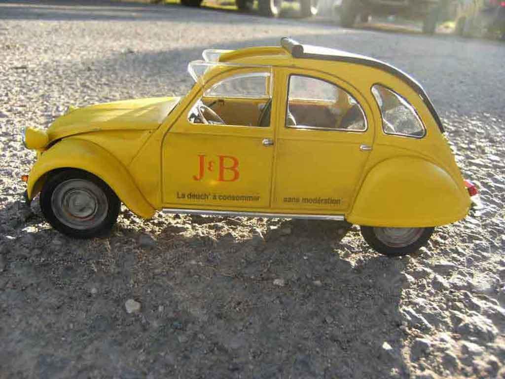 citroen 2cv miniature j b 1966 solido 1 18 voiture. Black Bedroom Furniture Sets. Home Design Ideas