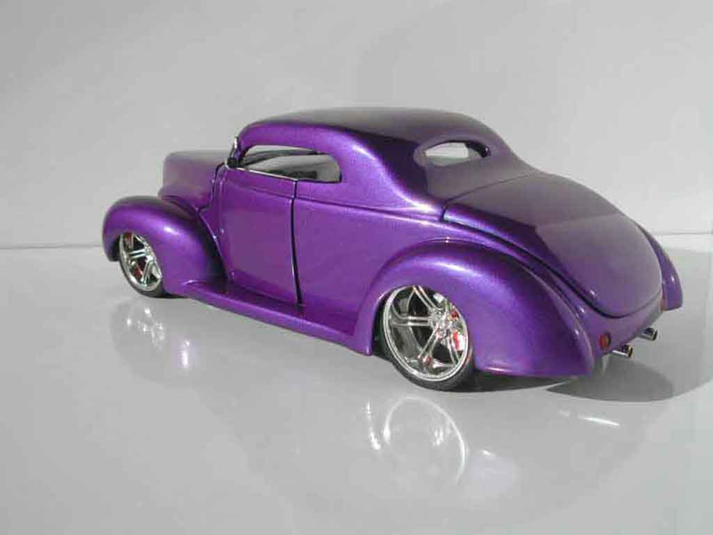 Ford 1940 1/18 Universal Hobbies hot rod