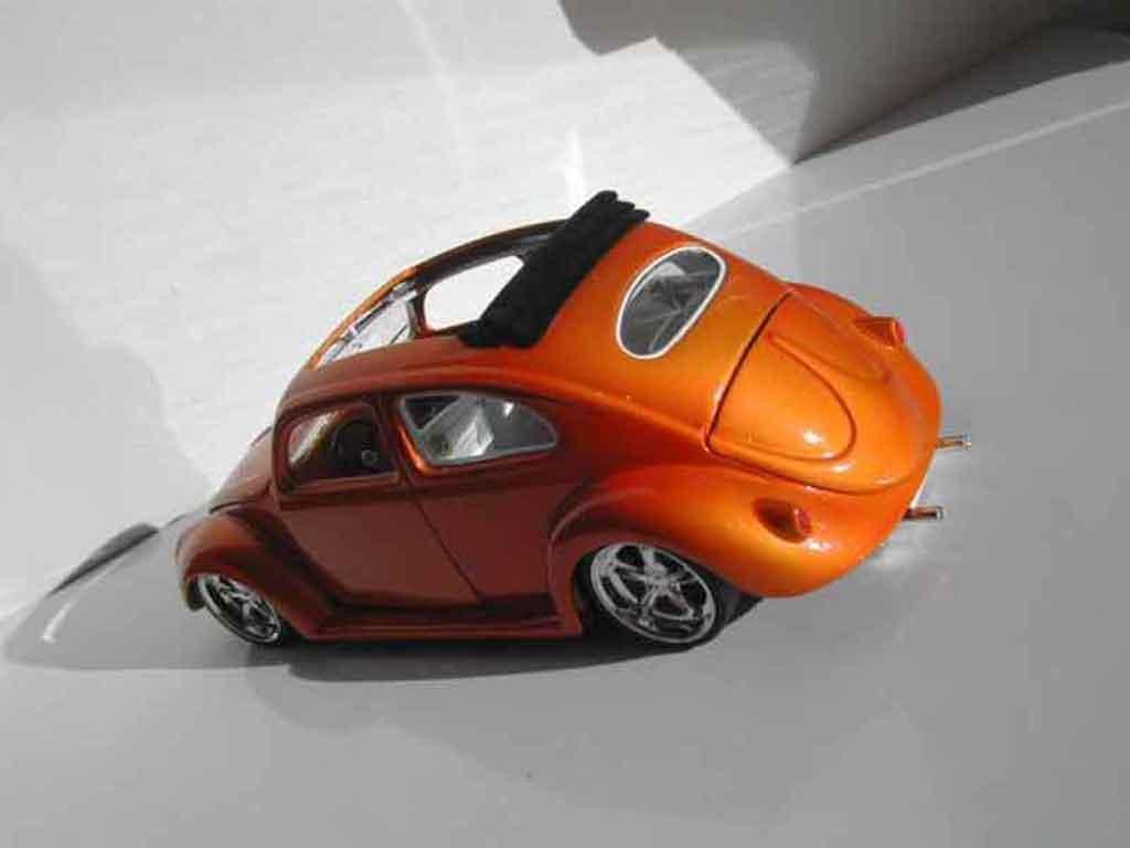 Volkswagen Kafer 1/18 Burago ovale custom
