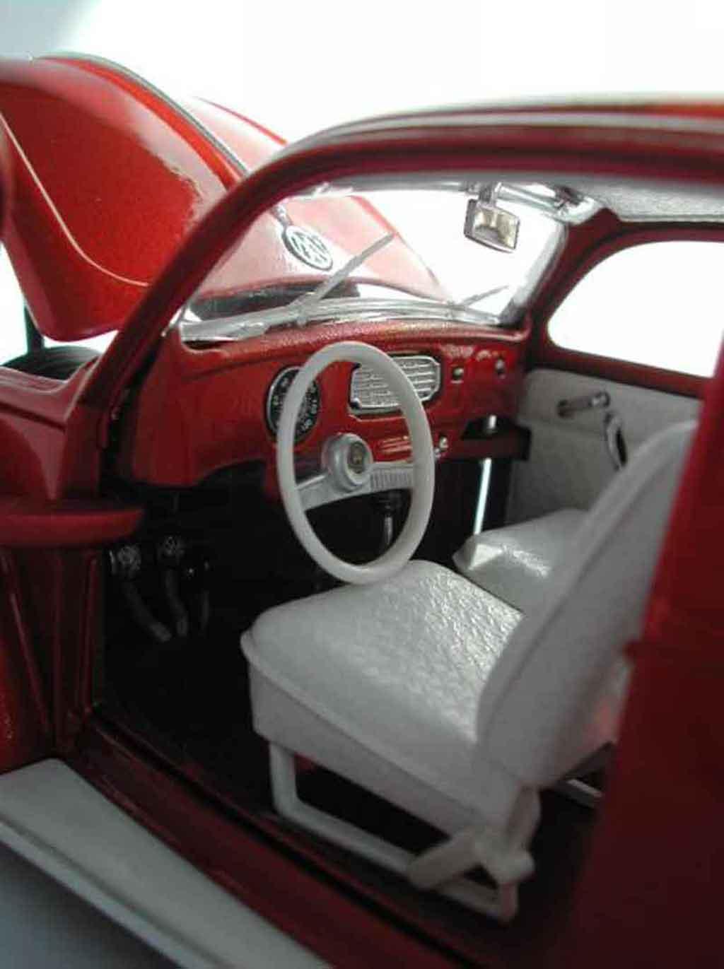 Volkswagen Kafer 1/18 Burago cox ovale low rider